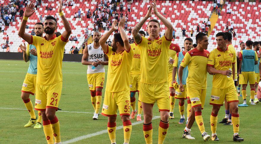Göztepe ilk yarılarda attığı gollerle puanları topladı
