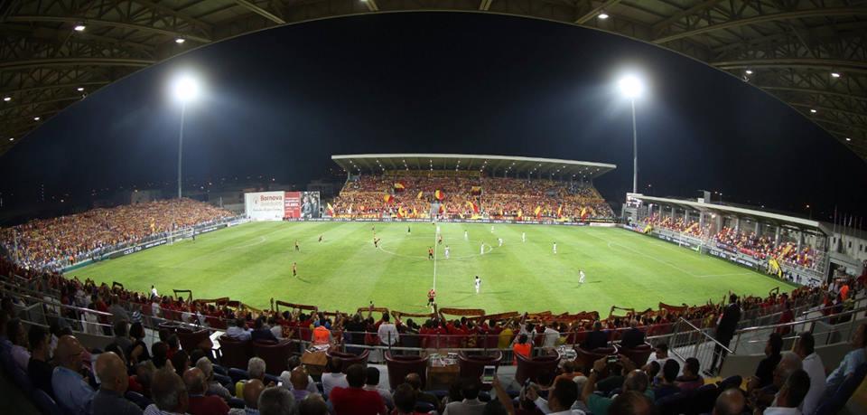 Göztepe - Beşiktaş maçı biletleri 5 dakikada bitti