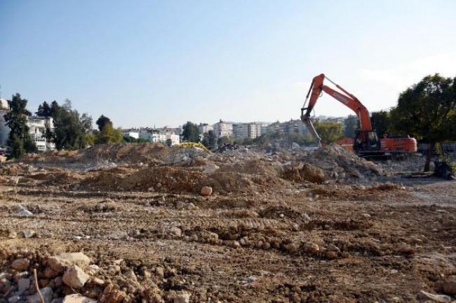 Göztepe Stadı'ndaki Çalışmalar Sorunsuz İlerliyor