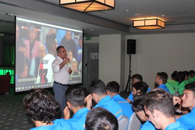 Süper Lig Kulüplerine 'Var' Eğitimi Veriliyor