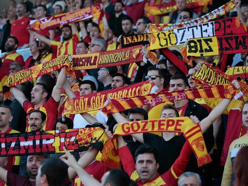 Göztepe'de kombine isyanı büyüyor: Müşteri değiliz Göztepeliyiz