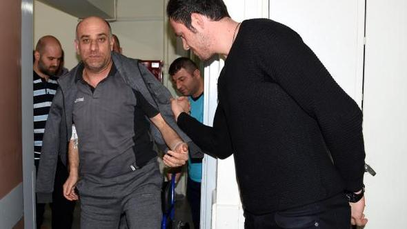 Göztepe hentbol antrenörü Öztürk'e ziyaret: